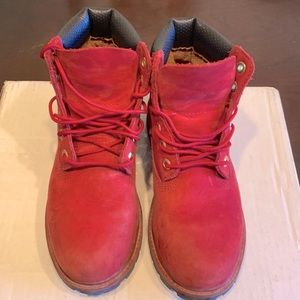 Timberland pre-loved kids red boots! Size 2!